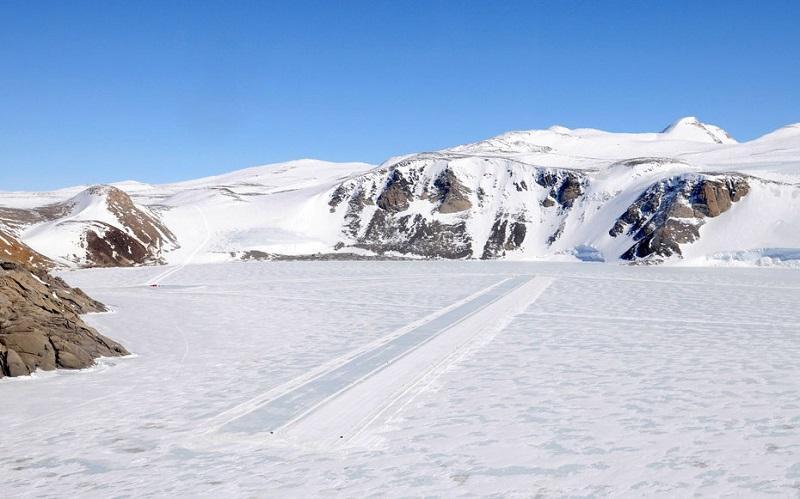 南極のマクマード基地-McMurdo Air Station, Antarctica