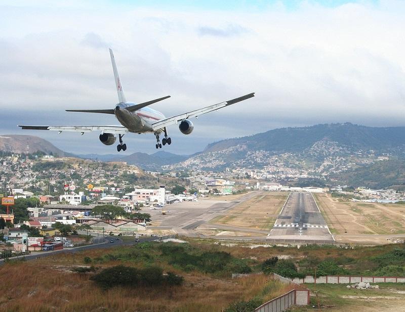 トンコンティン国際空港、ホンジュラス-Toncontin International Airport, Honduras